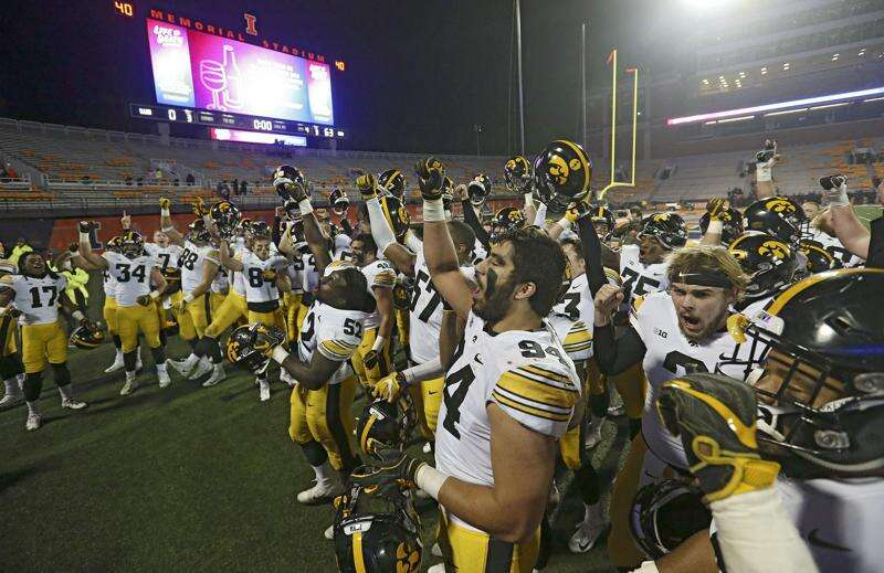 Hlastradamus Odds Pod: Does Iowa have a 'lot to play for' against Illinois?