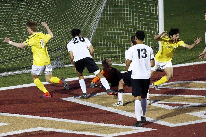 Cedar Rapids Kennedy boys' soccer wins thrilling substate semifinal, sets up Prairie rematch