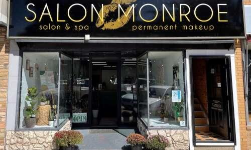 Salon Monroe ribbon cutting