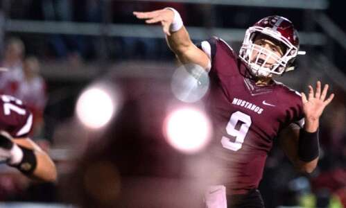 Drew Adams sets a state record; Mount Vernon wins district…
