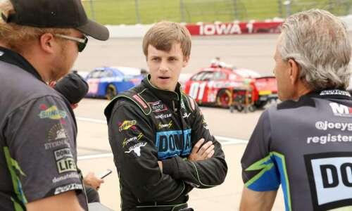 Cedar Rapids' Joey Gase back behind the wheel, hoping for…