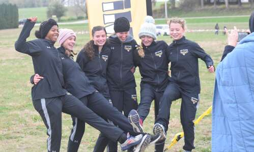 Mid-Prairie boys, girls on to state cross-country