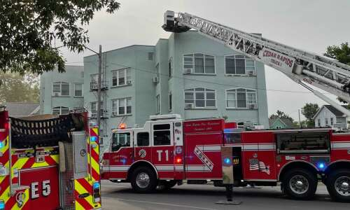 Several people rescued from apartment building fire in southeast C.R.