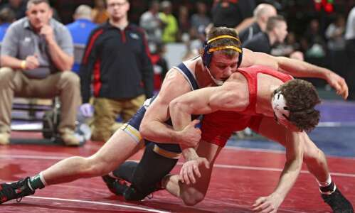 English Valleys' Zach Axmear moves closer to elusive state wrestling…