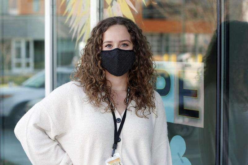 Contact tracers struggle as Iowa's coronavirus cases surge