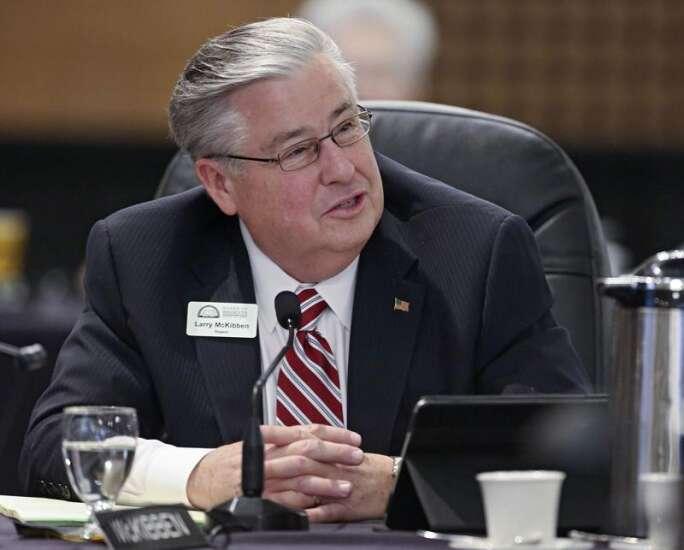 Regent raises concern over University of Iowa minimum wage increases
