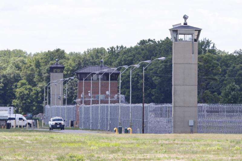 U.S. carries out 1st federal execution since 2003; Iowa murderer's death set for Friday