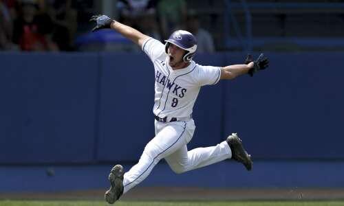 Photos: Lansing Kee vs. New London—Iowa state baseball tournament