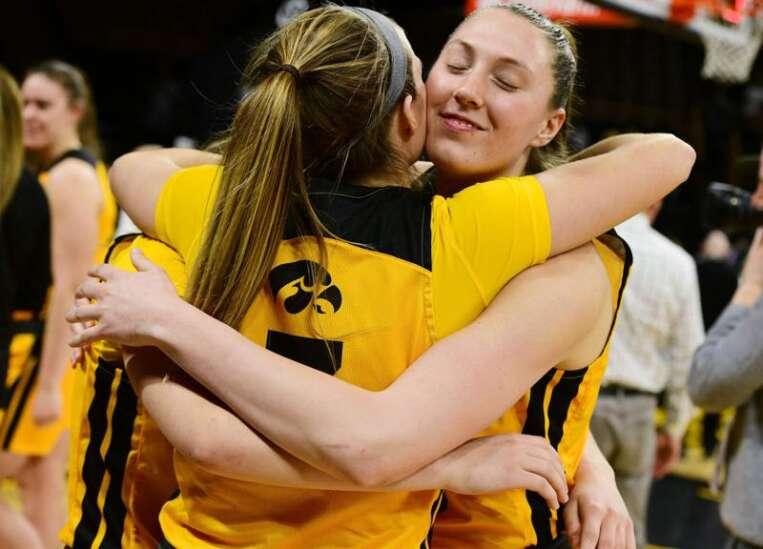 Iowa women's basketball tops Minnesota on Senior Night, 90-82