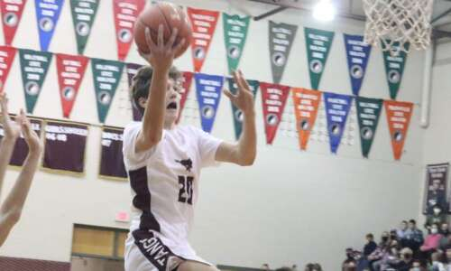 Mount Vernon SURVIVES 2nd-half rally from Mount Pleasant in 3A…