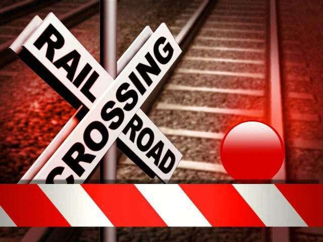 Pedestrian hit by train dies in Iowa City