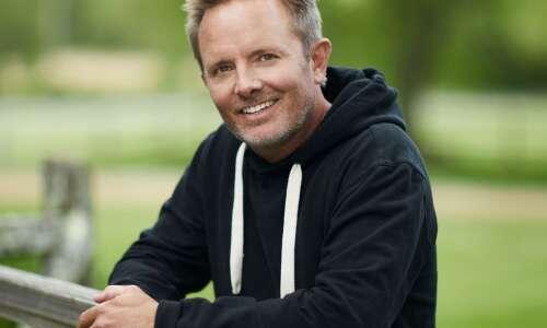 Chris Tomlin headlines Christian concert at McGrath Amphitheatre this Friday