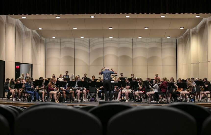 Pandemic forces Corridor high school bands to improvise