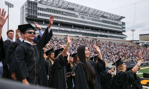 Kinnick celebration honors UI grads after unparalleled year