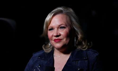 Holly Rowe previews Cy-Hawk game on Hawk Off The Press