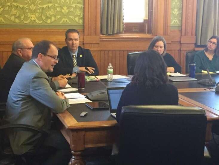 Iowa Senate panel advances school savings accounts