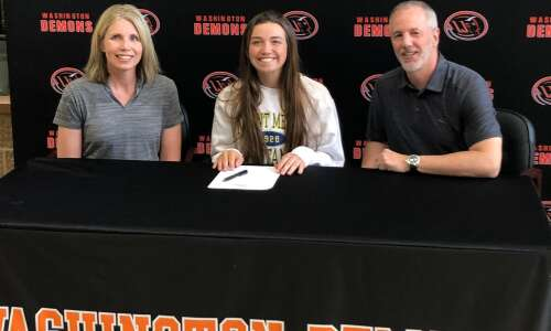 Washington's Tanner signs to golf in college