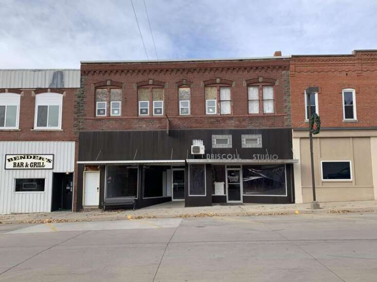Wellman couple renovates building to bring life to downtown