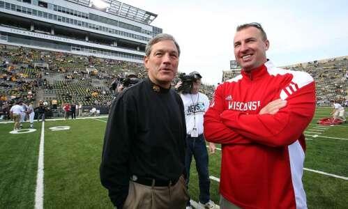 Iowa's most-tantalizing 2021 football games: No. 6 Illinois