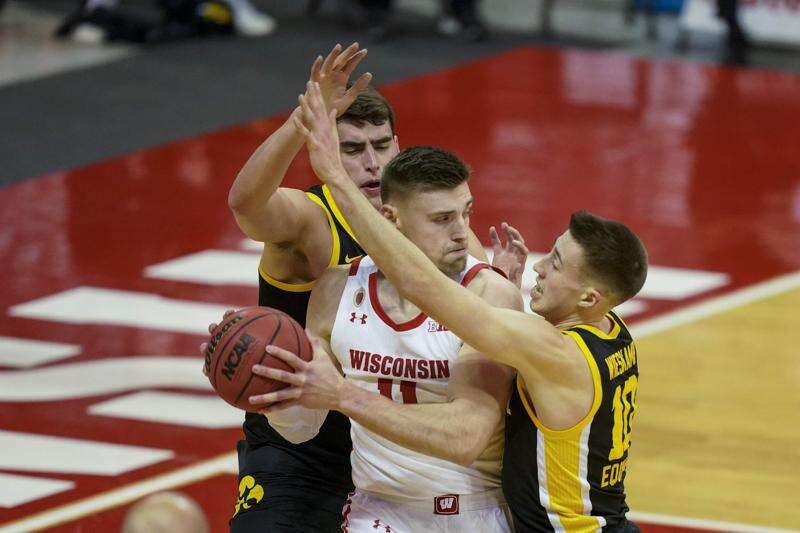 Luka Garza goes Full Luka as Iowa men's basketball torches Wisconsin