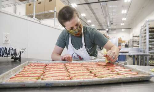 Woofables dog bakery plans to expand in Coralville