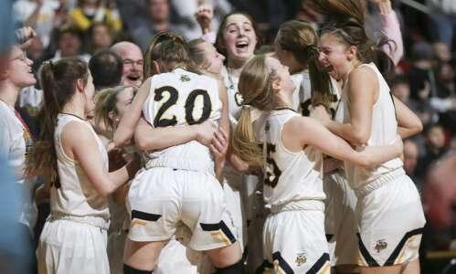 Photos: Center Point-Urbana vs. Waverly-Shell Rock, Iowa Class 4A girls'…