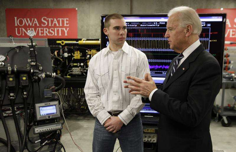 On Iowa Politics Podcast: The Hall of Fame, Biden and Trump visit Iowa, and more