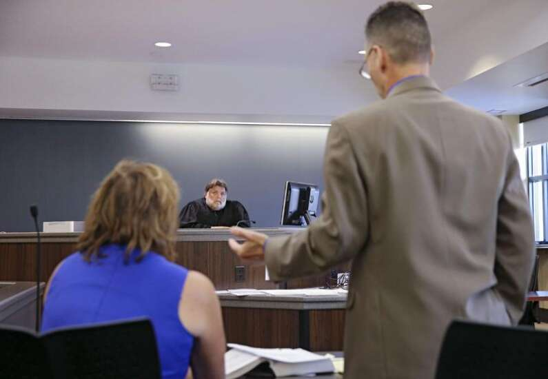 Judge denies motion to dismiss charge against Marion teacher accused of failing to report child abuse