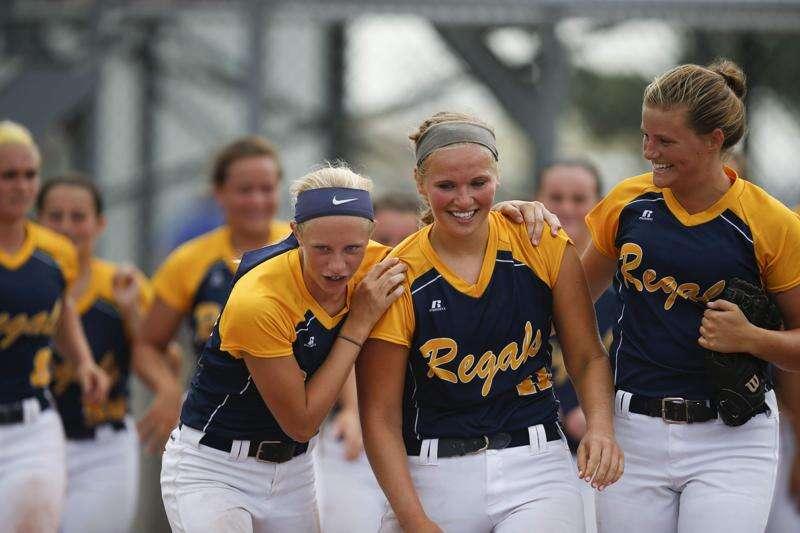 Iowa City Regina upsets Durant to reach third straight state softball title game