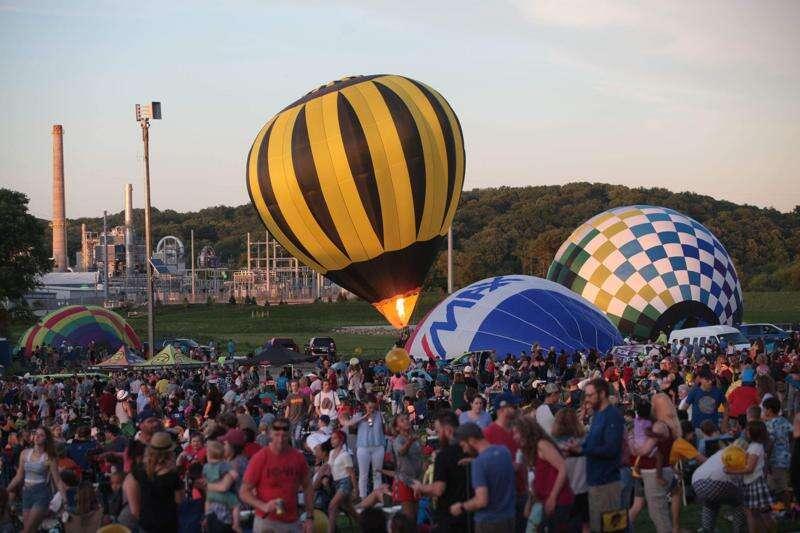 Balloon Glow Cedar Rapids 2021: Same balloons, new location, plus giant kites