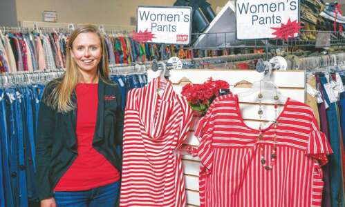 """Family-owned """"Stuff Etc."""" business employs 350 in 8 Iowa stores"""