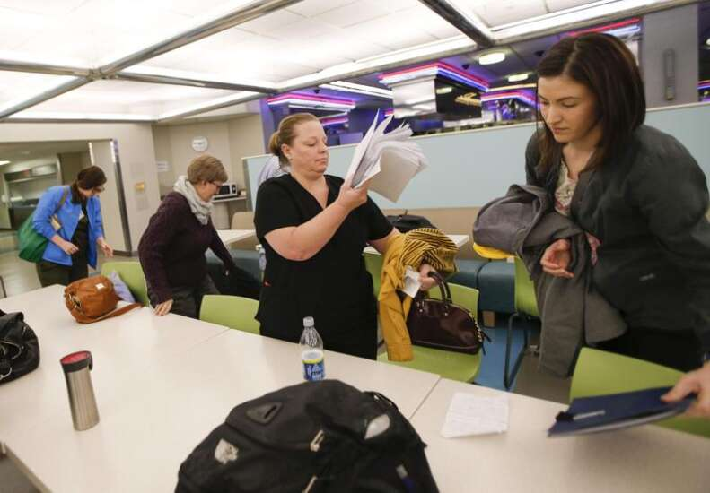 Cold weather woes heat up UI nursing contract talks