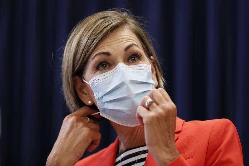 Iowa coronavirus hospitalizations surpass 900, continuing record climb