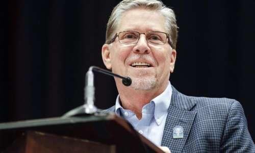 Cedar Rapids Mayor Brad Hart retires as business lawyer