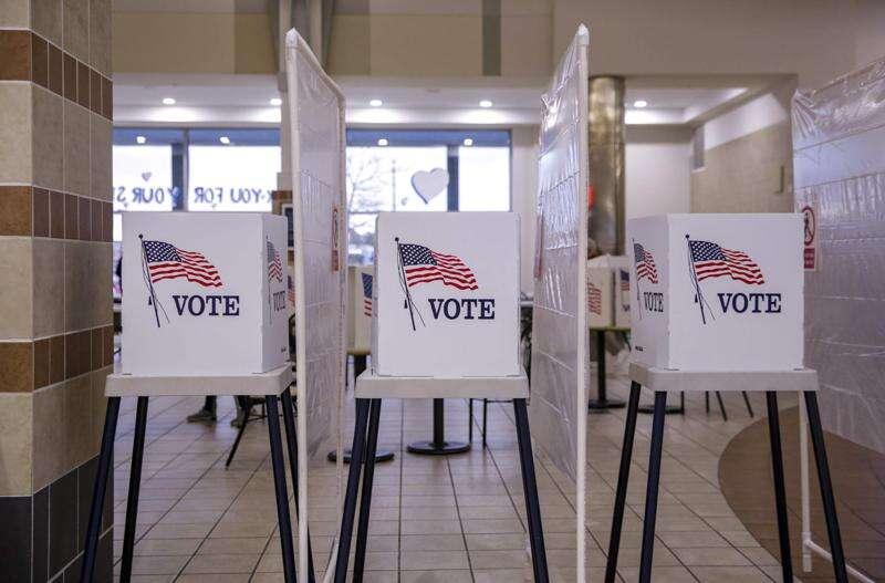 Who is running in the Nov. 2 elections for Linn and Johnson counties?