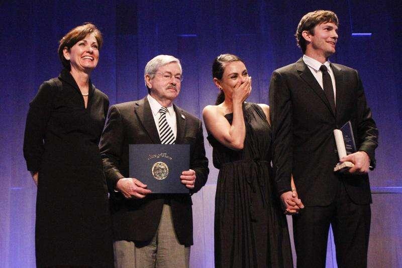 Ashton Kutcher receives Pillar of Character Award, credits upbringing in Iowa