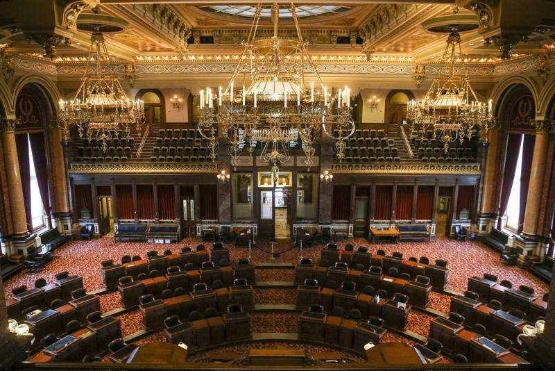 Iowa Senate approves 'qualified immunity' for law enforcement