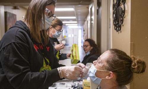 Iowa adds 1,257 coronavirus cases, 32 deaths on Thursday