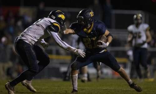 Photos: Cascade vs. Iowa City Regina football