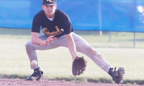 New London baseball sets state record