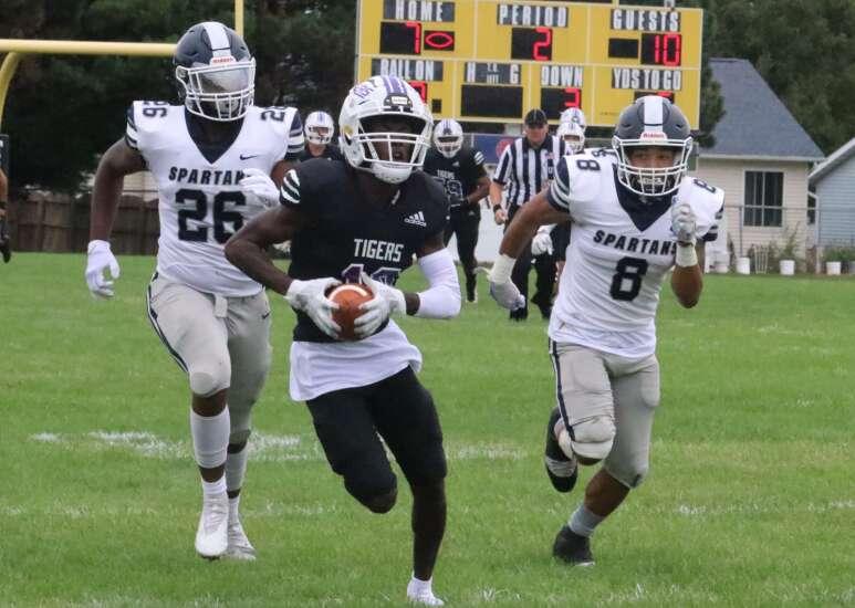 Iowa Wesleyan football stumped in return home