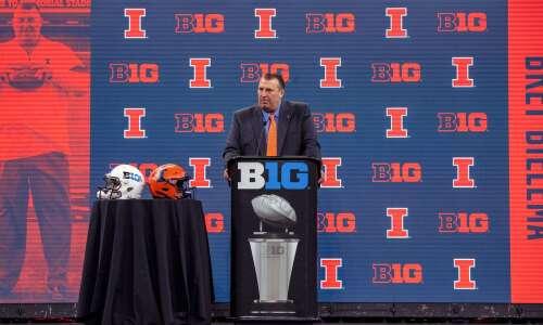Iowa's Illinois recruiting battle to heat up against Bret Bielema