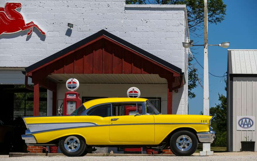Iowa Photo: Roadside attraction