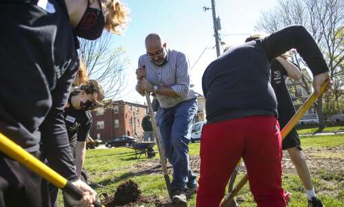 Photos: Arbor Day tree planting at Redmond Park