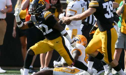 Hlas: Hawkeyes' depth rises to surface
