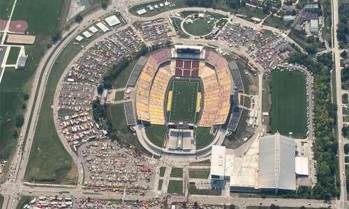 Iowa sports betting scores with new football season