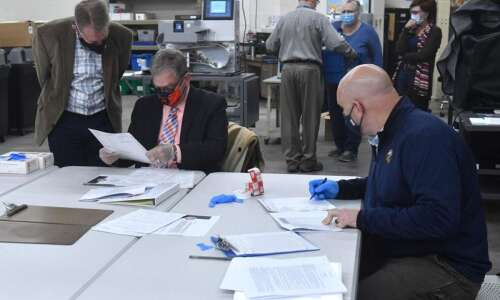Iowa's 2nd District contest shows recount process needs clarified
