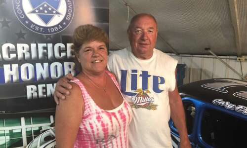 Benton County Speedway volunteers take pride in concession stand service