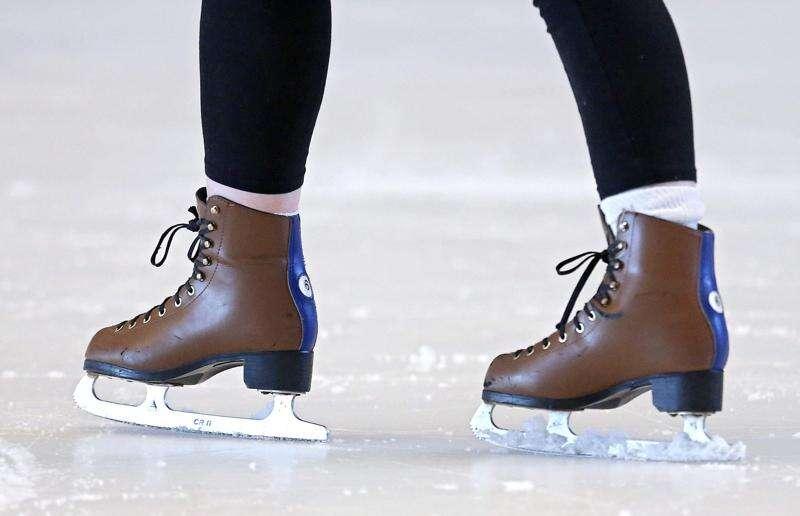 Ice skating rink at Coral Ridge Mall to reopen Sunday