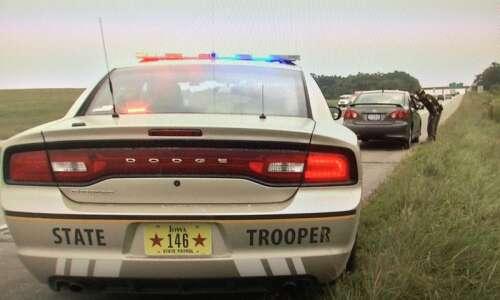 Few details on Iowa trooper deployment to U.S.-Mexico border